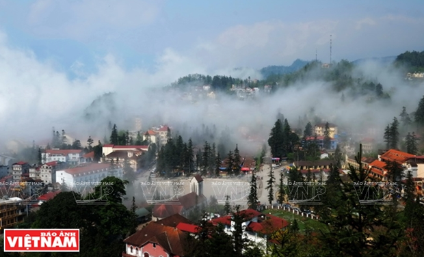 Lao Cai lures nearly 3 million tourists in six months hinh anh 1