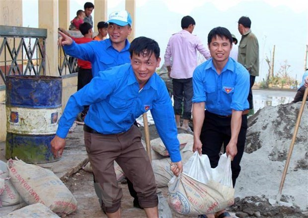 Tens of thousands of students join summer voluntary campaign in HCM City hinh anh 1