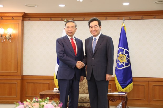 Vietnam, RoK to augment cooperation in ensuring security hinh anh 1