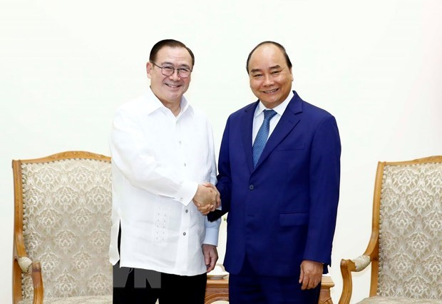 Prime Minister hosts Philippine Foreign Minister hinh anh 1