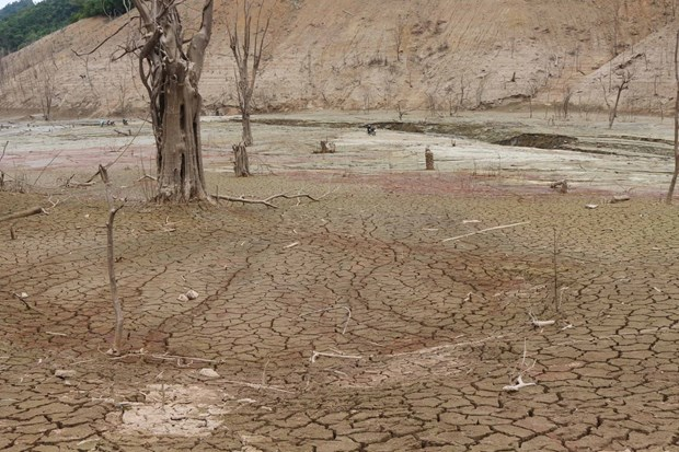 Prolonged drought bringing risk of water shortages to central region hinh anh 1