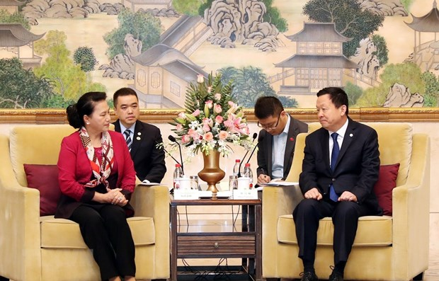 Vietnamese NA Chairwoman receives leader of Suzhou city hinh anh 1