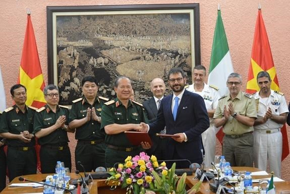 Vietnam, Italy convene third defence policy dialogue hinh anh 1