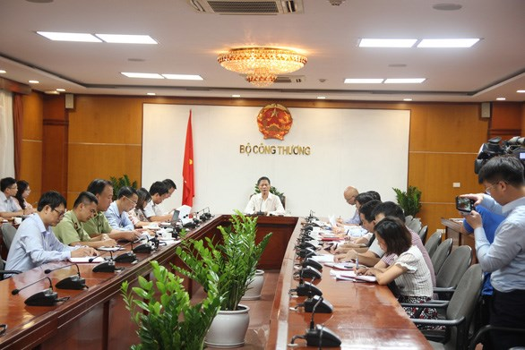Ministry tightens supervision to avoid trade sanctions hinh anh 1
