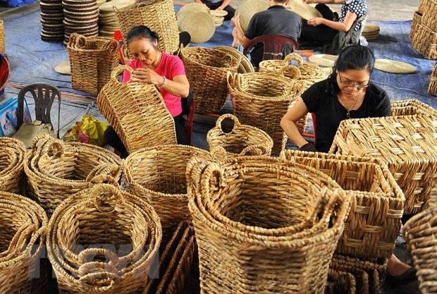 Vietnamese handicrafts introduced in Singapore hinh anh 1
