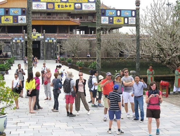 Foreign travellers to Thua Thien-Hue rise 17.7 percent in H1 hinh anh 1
