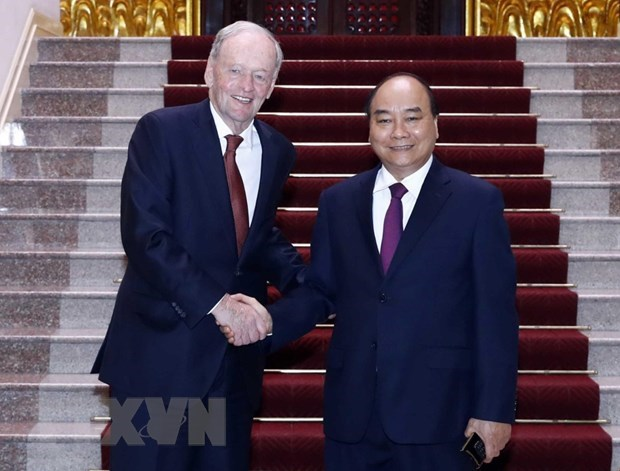 Government leader hosts former Canadian PM hinh anh 1