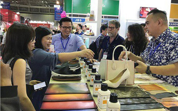 Leather product, footwear exports likely to fetch 21.5 billion USD hinh anh 1