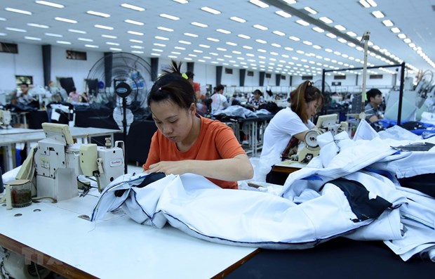 Regional minimum wage set to increase by 5.5 percent in 2020 hinh anh 1