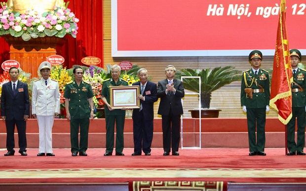 Vietnamese experts in Cambodia receive top honour hinh anh 1