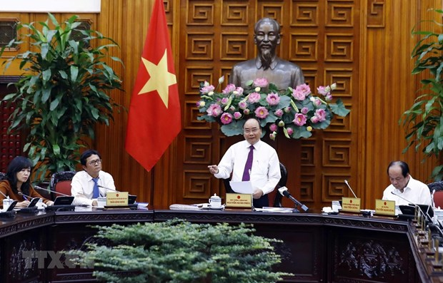 PM urges VTV to work harder for national development hinh anh 1