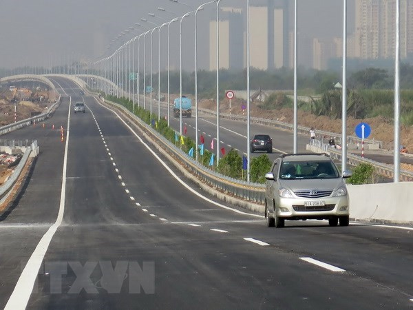 Preliminary bidding selects 51 investors for North-South Expressway hinh anh 1