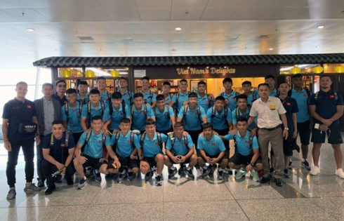 U18 team heads to Japan for training camp hinh anh 1