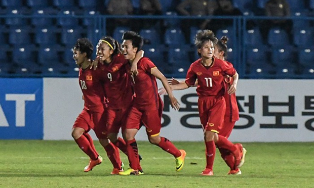 Vietnam's women football team rank first in Southeast Asia hinh anh 1