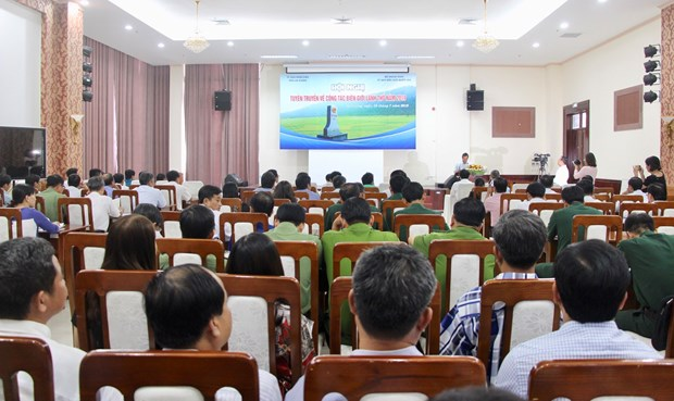 Vietnam, Cambodia build border lines of peace, friendship hinh anh 1