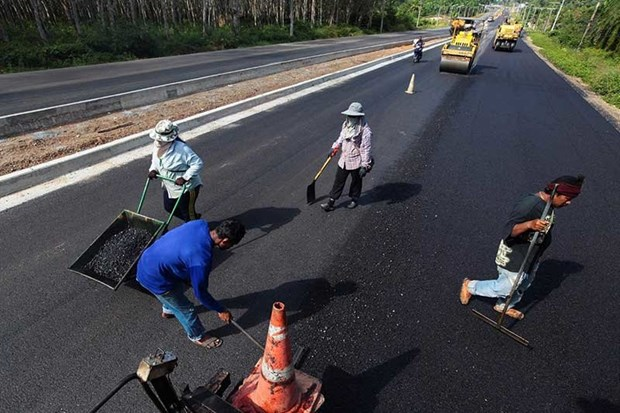 Thail gov't continues to promote use of rubber resin in road construction hinh anh 1