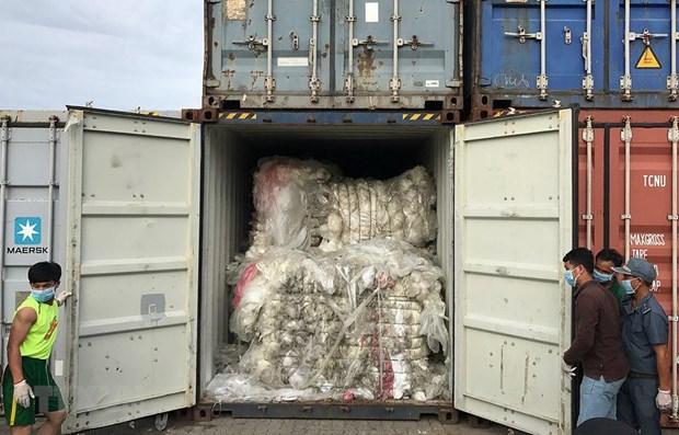 83 containers of plastic waste found in Cambodia hinh anh 1