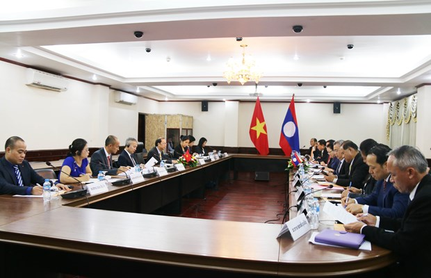 Vietnam, Laos hold fourth political consultation in Vientiane hinh anh 1