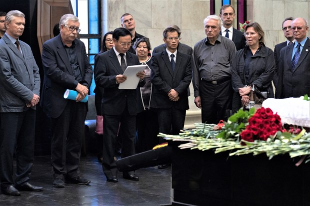 Last respects paid to Russian friends of Vietnam hinh anh 1