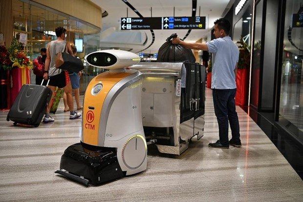 Hundreds of cleaning robots to work in Singapore hinh anh 1