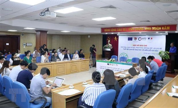 Photo contest launched to challenge youth for change hinh anh 1
