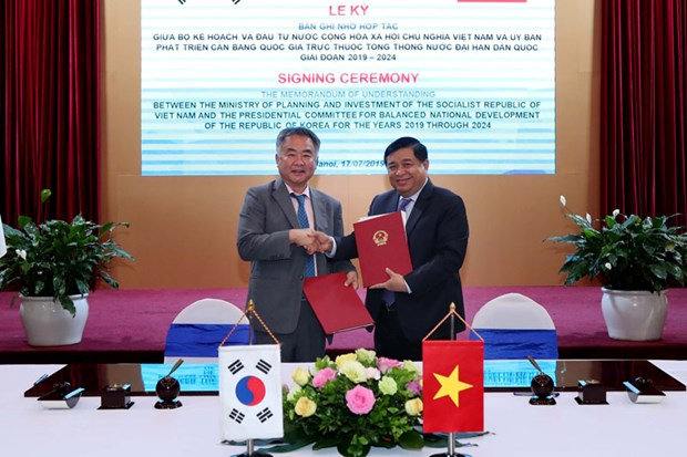 Vietnam, RoK bolster information exchanges on successful policies hinh anh 1