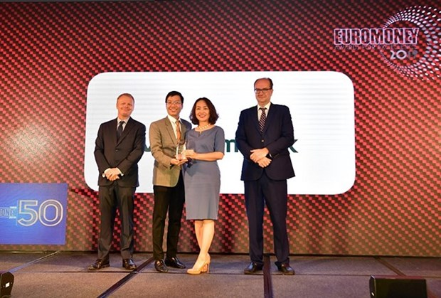 Vietcombank named best bank of Vietnam by Euromoney hinh anh 1