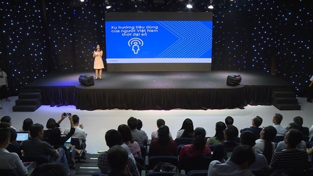 Vietnamese firms urged to transform in digital age hinh anh 1