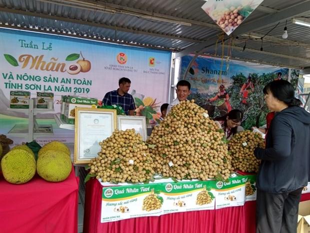 Son La Longan and Safe Farm Produce Week 2019 in Hanoi hinh anh 1