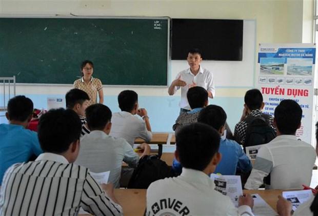 Da Nang: Recruitment festival fills over 1,500 vacancies hinh anh 1