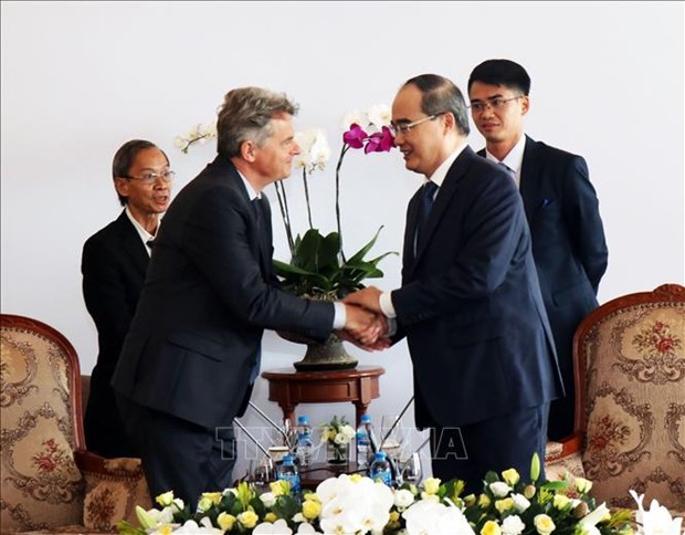 HCMC leader hosts French Communist Party Secretary hinh anh 1