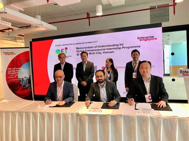 Indovina Bank, Cathay Holdings, Finaxar partner to finance SMEs hinh anh 1