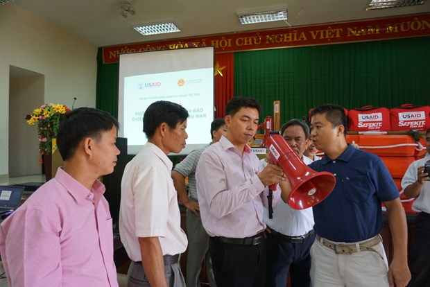 USAID helps Thua Thien-Hue with natural disaster early warning gears hinh anh 1