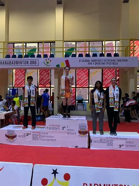 Trang wins gold, Minh takes bronze from JE Wilson International hinh anh 1