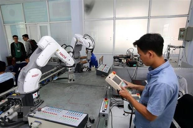 Vietnam up three spots in global innovation index hinh anh 1