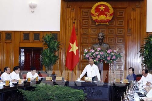 PM urges implementation of transport infrastructure projects hinh anh 1