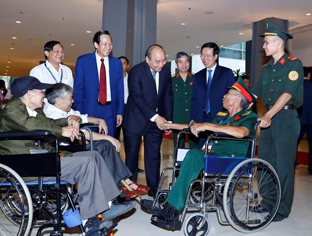 Hanoi gathering honours exemplary war invalids hinh anh 1