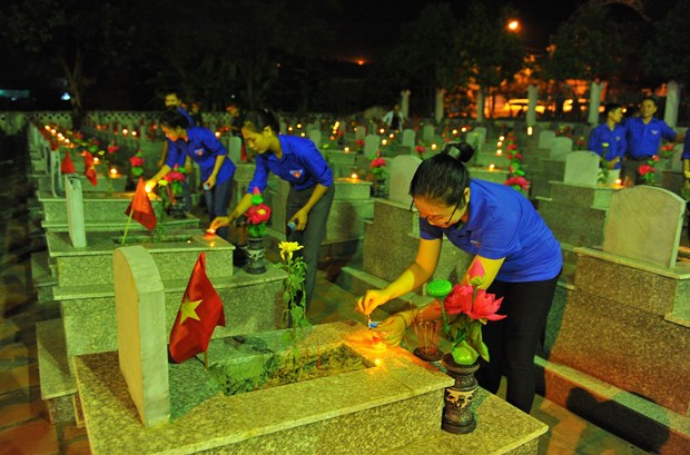Activities held nationwide to honour revolution contributors hinh anh 1