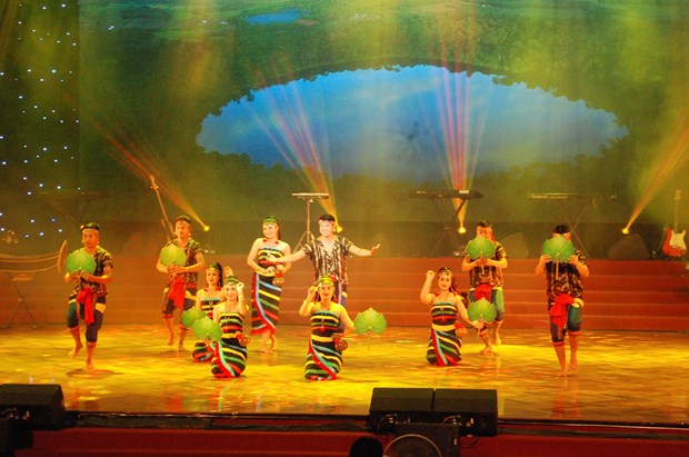 Road No 9 Singing Festival wraps up in central Quang Tri province hinh anh 1
