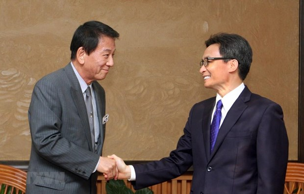 Deputy PM lauds efforts by Vietnam – Japan Special Ambassador hinh anh 1