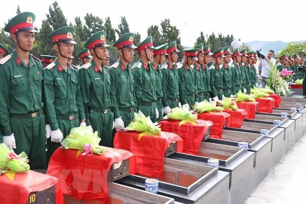 Memorial, reburial services held for fallen soldiers hinh anh 1
