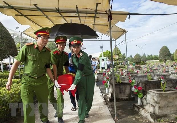 Reburial service of martyrs in Kien Giang hinh anh 1
