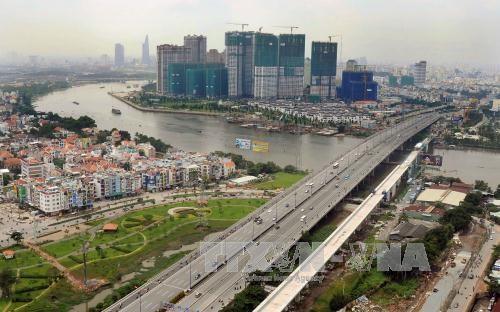 Vietnam seeks foreign investment in infrastructure projects hinh anh 1