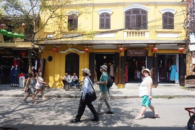 Australian tourists are top spenders in Vietnam: report hinh anh 1