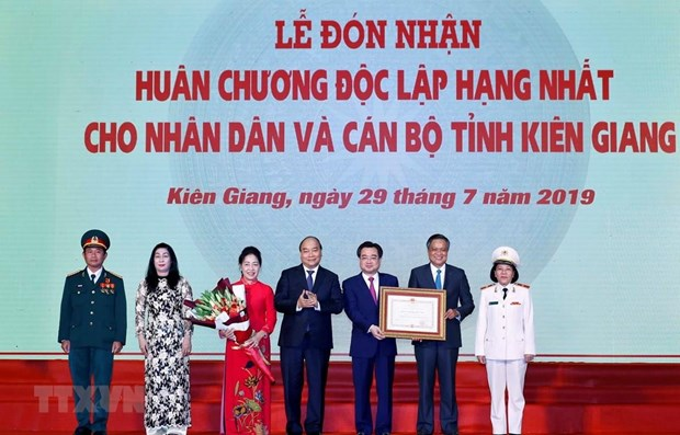 PM lauds Kien Giang for impressive progress hinh anh 1