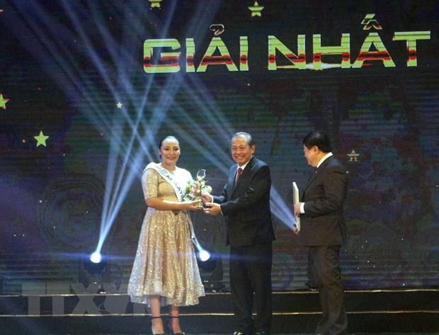 Malaysian singer wins ASEAN+3 pop singing contest in Quang Ninh hinh anh 1
