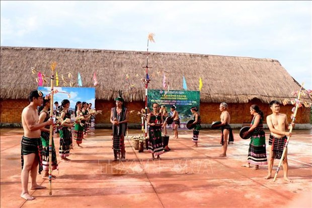 Dak Nong province inaugurates house displaying lithophones hinh anh 1