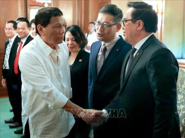 Vietnamese Party delegation visits Philippines hinh anh 1