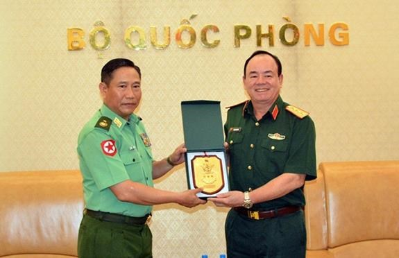 Vietnam, Myanmar look to boost defence ties hinh anh 1