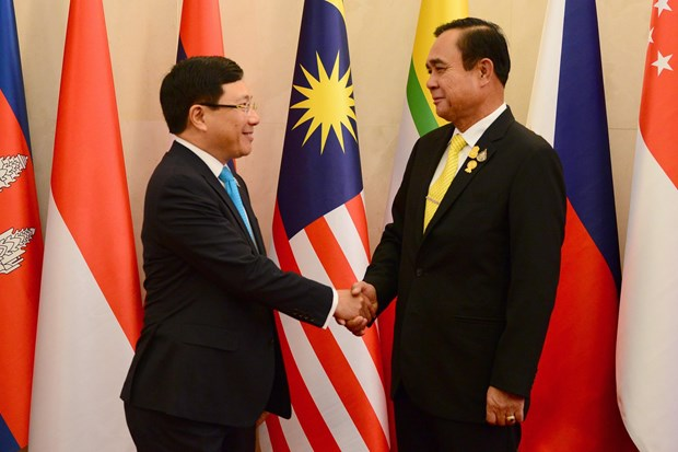 ASEAN foreign ministers pay courtesy call on Thai Prime Minister hinh anh 1